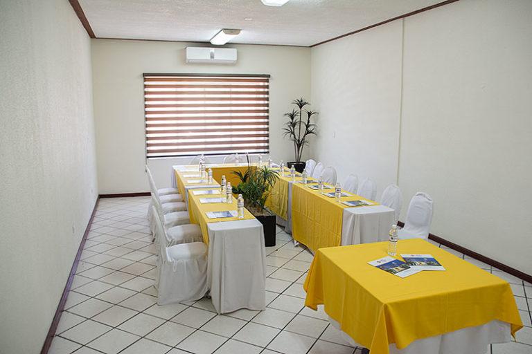 Salón Ana Leyva 5 Best Western Plaza Vizcaya Durango