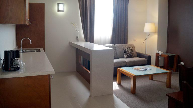Suite-Cocineta-1-Hotel-Plaza-Vizcaya-Durango